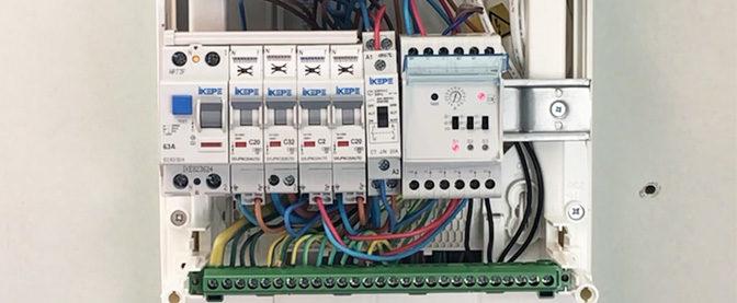 Installer un délesteur dans un tableau électrique