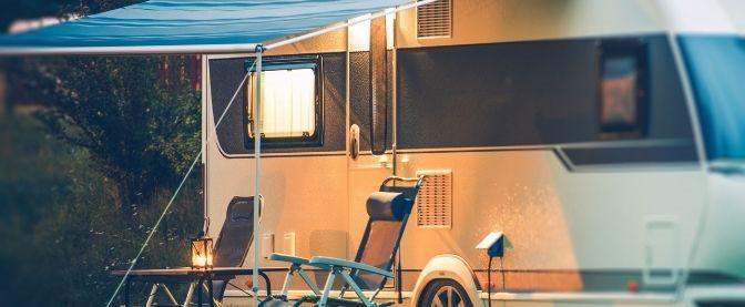 Quelles sont les prises électriques nécessaires pour brancher votre caravane au réseau électrique ?