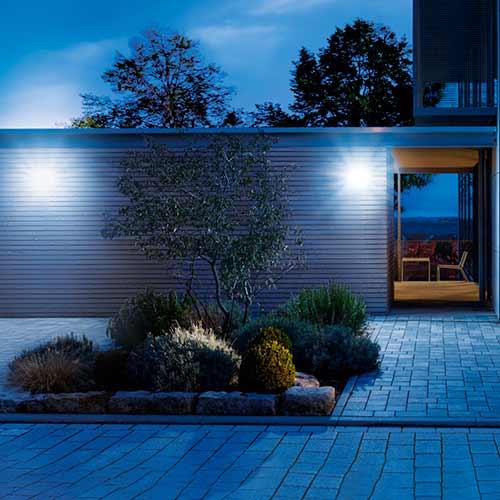 projecteur extérieur maison